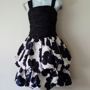 Dresses & Skirts - Vintage Balloon Party Dress